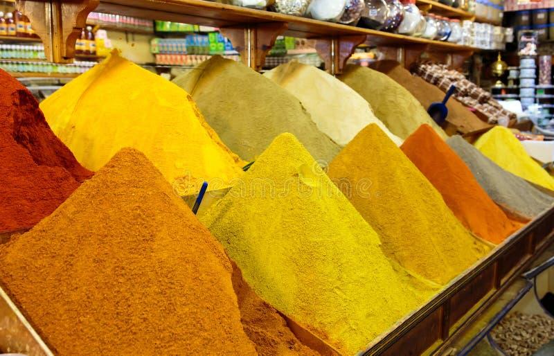 Marokkanische Gewürze stockbild