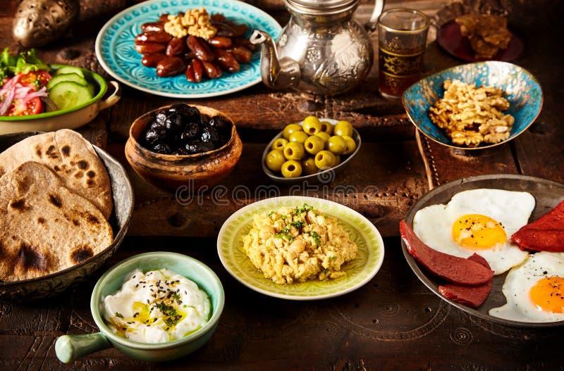 Marokkanisches algerisches Frühstück stockfotografie