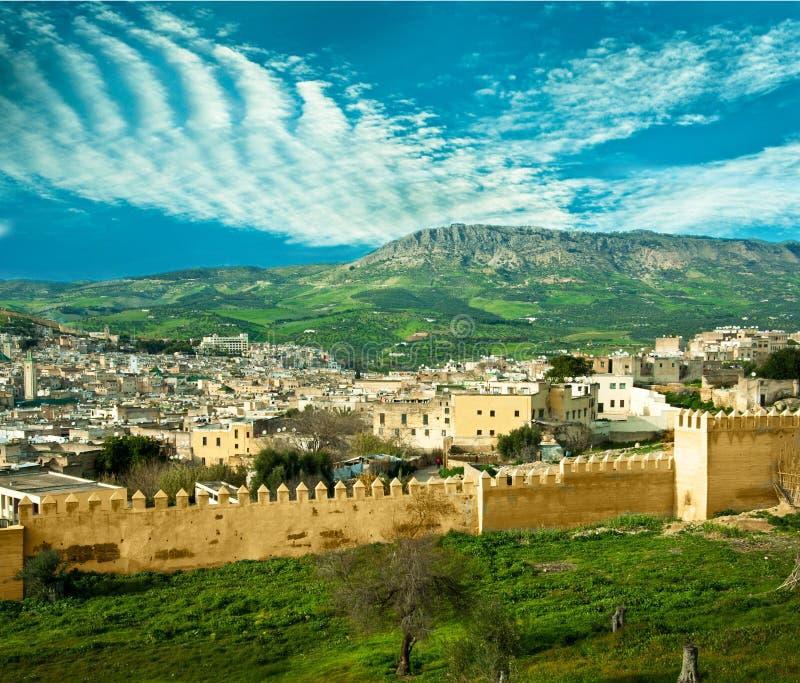Marokko, eine Landschaft einer Stadtwand lizenzfreies stockbild