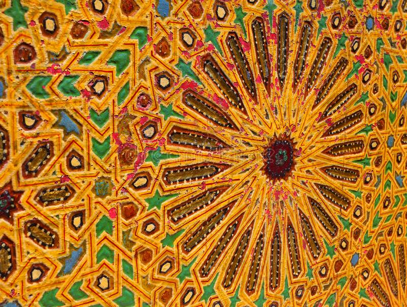 Marokko, Fez, Middeleeuws Islamitisch kleurrijk houten paneel royalty-vrije stock afbeeldingen