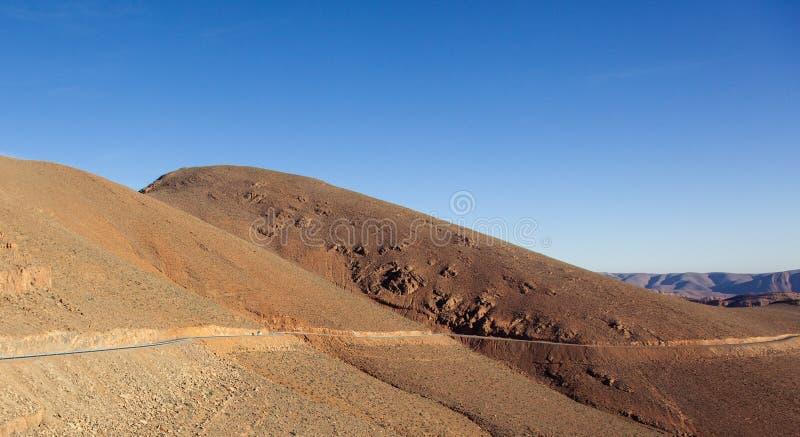 Marokko-Gebirgsstraße lizenzfreie stockfotografie