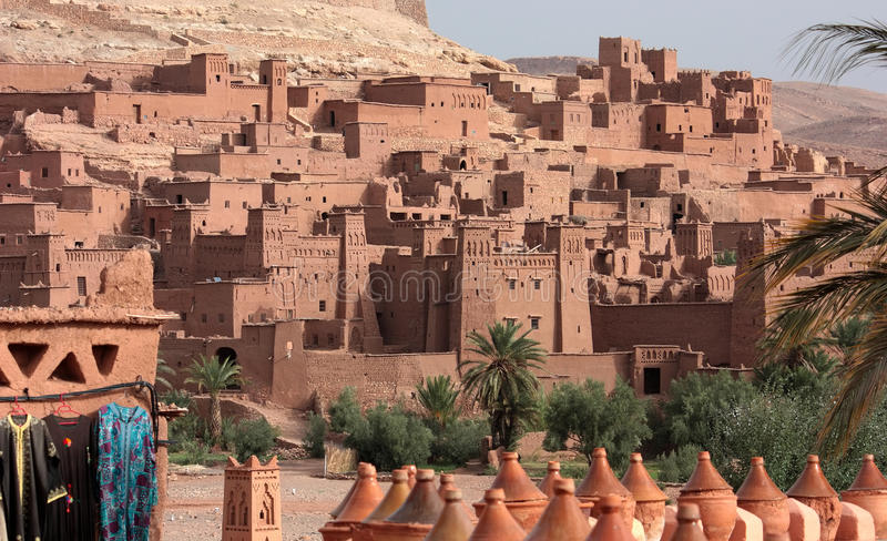 Marokko - Kasbah von Ait Benhaddou stockfotos