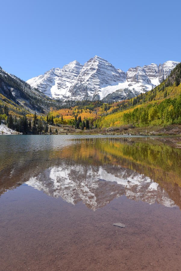 Free Maroon Bells And Lake - Vertical Royalty Free Stock Photo - 35443775