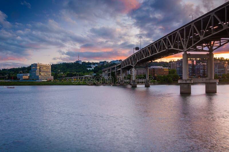 Marquam most przy zmierzchem, w Portland fotografia stock