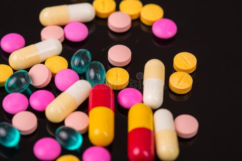 Marque sur tablette des pilules images libres de droits