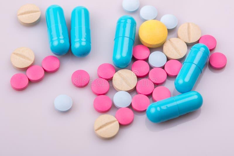 Marque sur tablette des pilules image libre de droits