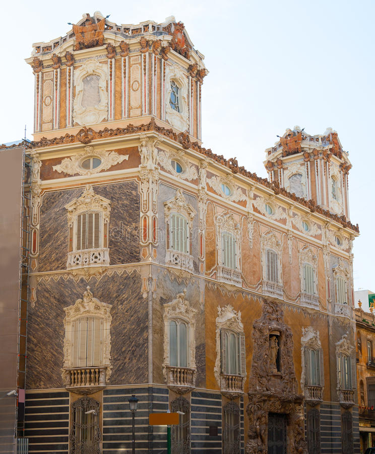 Marquesde DOS Aguas slott med den alabaster- fasaden Valencia royaltyfri bild