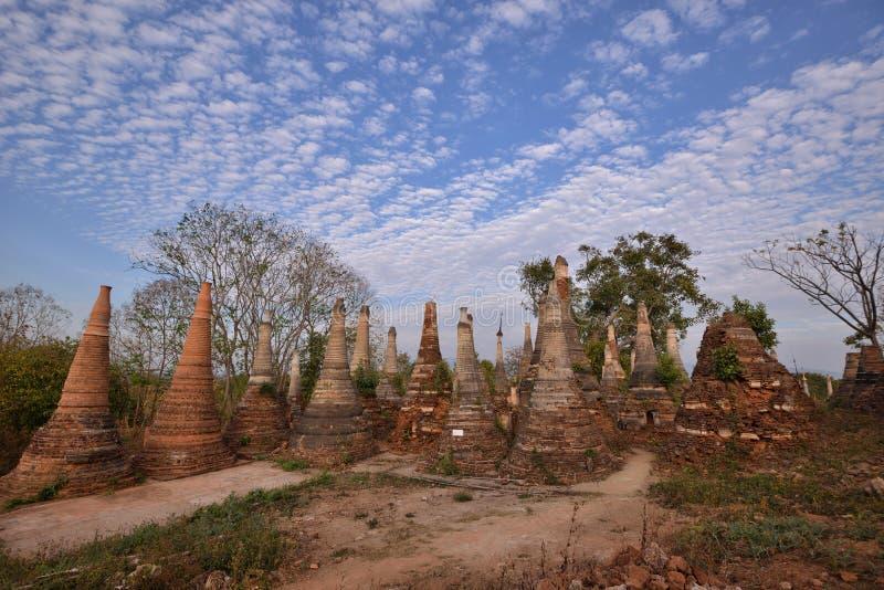 Marqueterie de pagoda de Shwe Indein photo stock