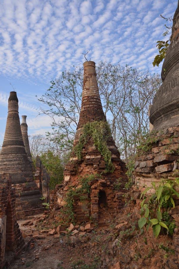 Marqueterie de pagoda de Shwe Indein photo libre de droits