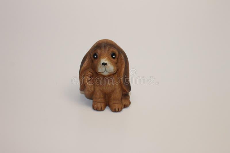 Marrón de la decoración del perro del rown de Liottle para el hogar y más fotos de archivo