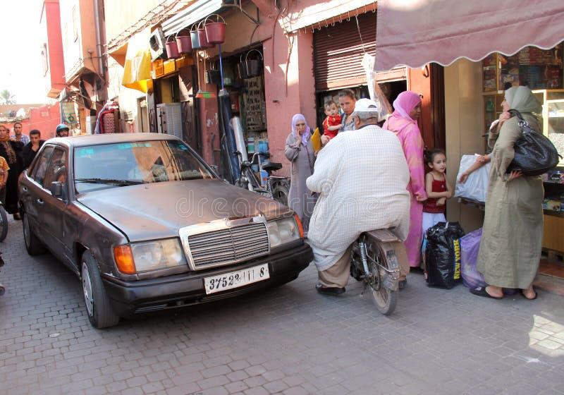 marrakech väg till royaltyfria foton