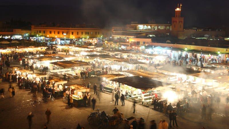 Marrakesch, Marokko (Djema EL Fna) - Nachtnahrung stal stockfotos
