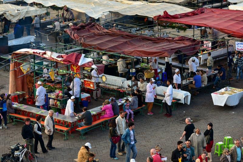 Marrakesh Jemaa el Fnaa matstalls arkivfoton