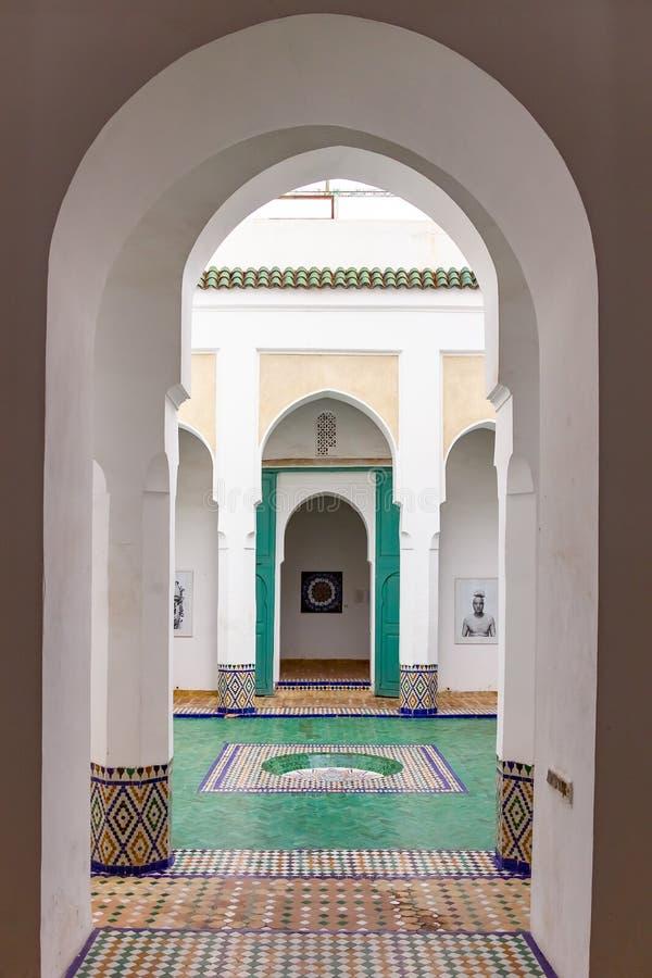 Marrakesh, Marocco - 10 novembre 2018: Dentro l'interno del museo di Marrakesh situato in Dar Menebhi Palace fotografia stock