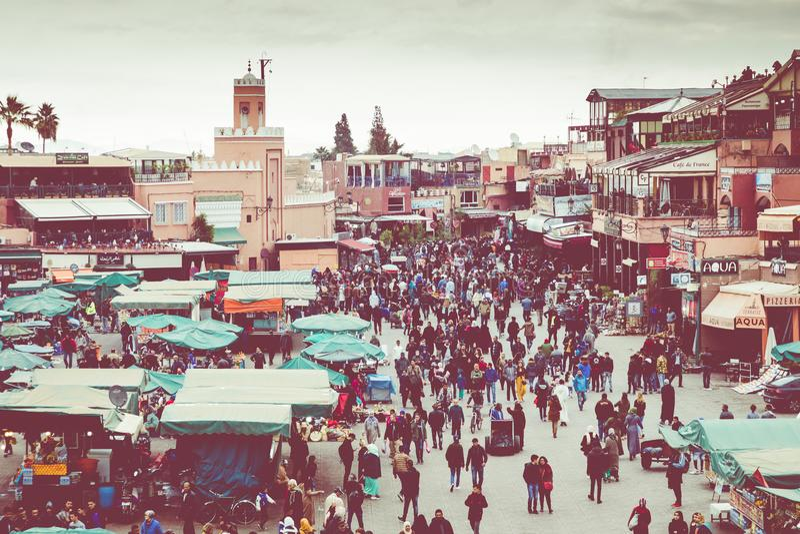 MARRAKESH MAROKO, GRUDZIEŃ, - 17, 2017: Jamaa el Fna rynku squa fotografia stock