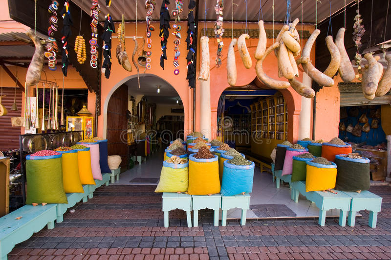 marrakesh morocco shoppar royaltyfri bild