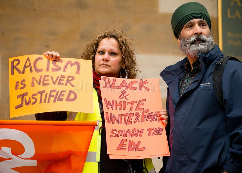 Mars contre le racisme - Londres, R-U images stock