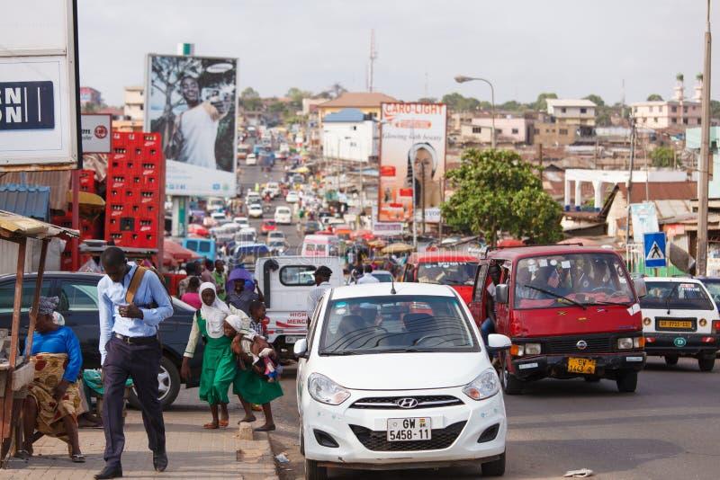MARS 18 för ½ för ACCRA GHANA ï¿: Trafikera på vägen i Accra, huvudstad arkivbilder