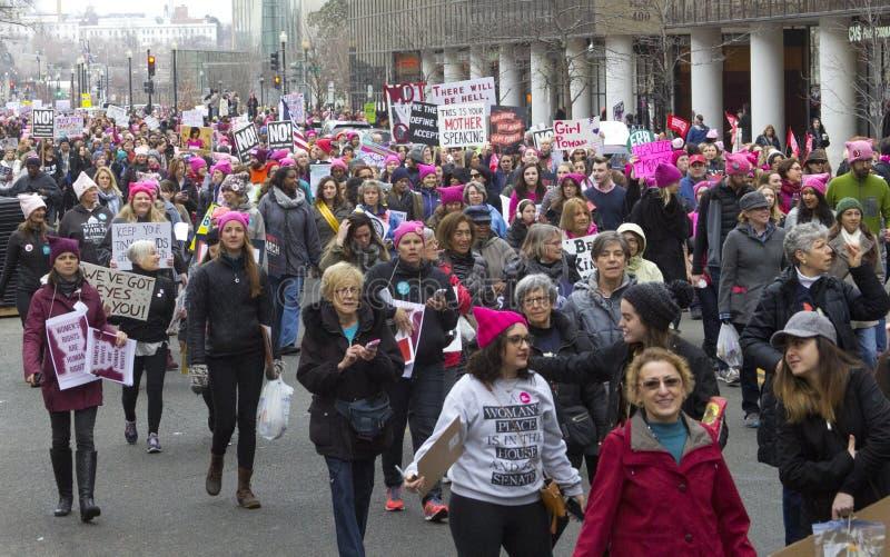 Mars för kvinna` s på Washington fotografering för bildbyråer