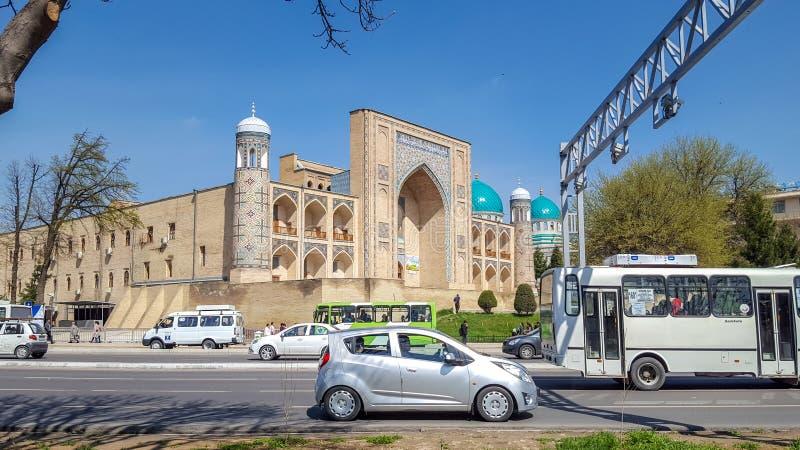 Mars 2019, l'Ouzbékistan, Tashkent, Madrasah Kukeldash est situé sur une haute colline dans le secteur de la place de Chorsu photos libres de droits