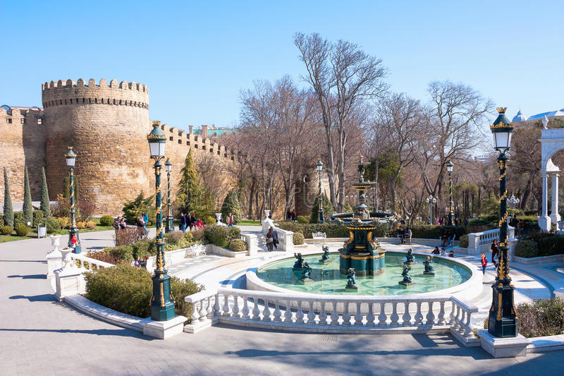 10 mars 2017, le jardin du ` s de gouverneur, Bakou, Azerbaïdjan Vue de ressort dans le jardin du ` s de gouverneur de Bakou, Aze photo libre de droits