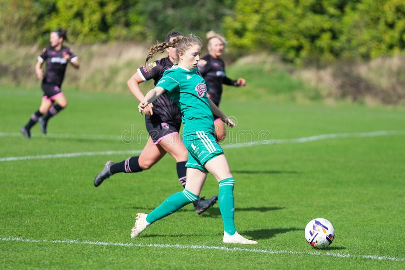 17 mars, 209, liège, Irlande : Katie McCarthy pendant le match de ligue national des femmes entre les femmes de Cork City FC et l photographie stock libre de droits