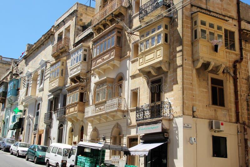 Marsaskala, Мальта, июль 2016 Типичная архитектура небольшого мальтийского города стоковая фотография rf