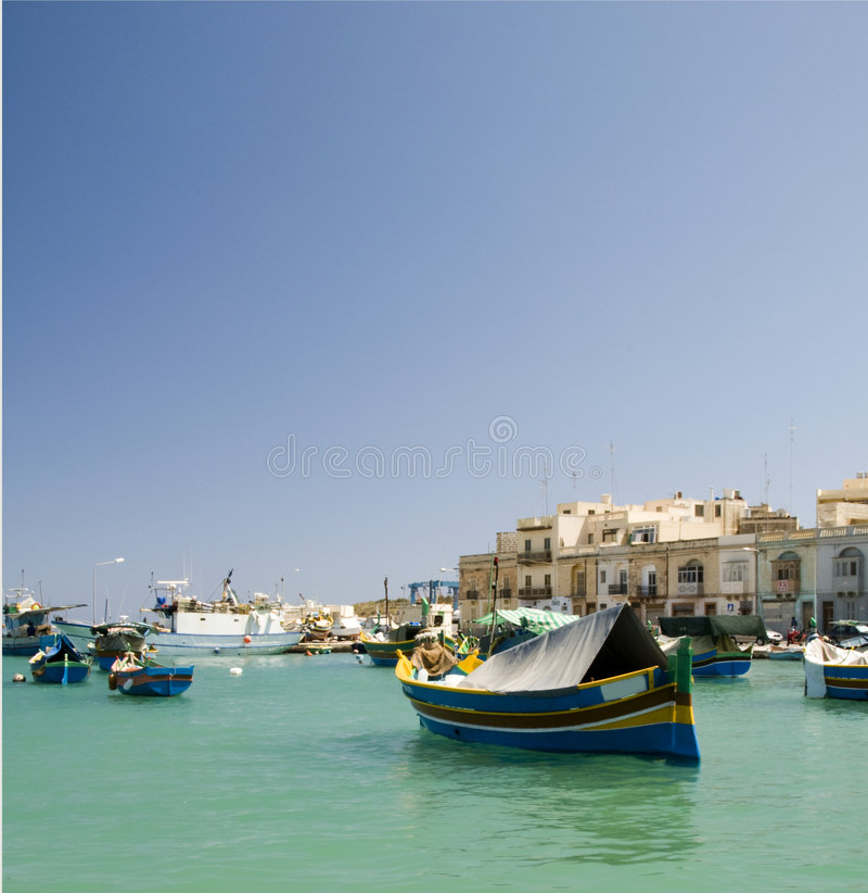 marsaxlokk malta luzzu гавани шлюпки стоковая фотография
