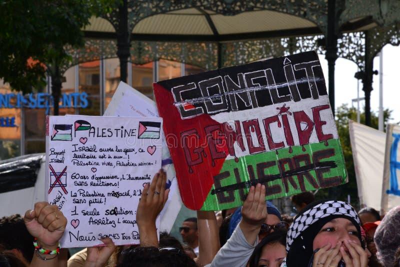 Marseille, Frankrijk - Augustus 9, 2014: De protesteerder verzamelt zich tijdens demonstratieÃ royalty-vrije stock afbeeldingen