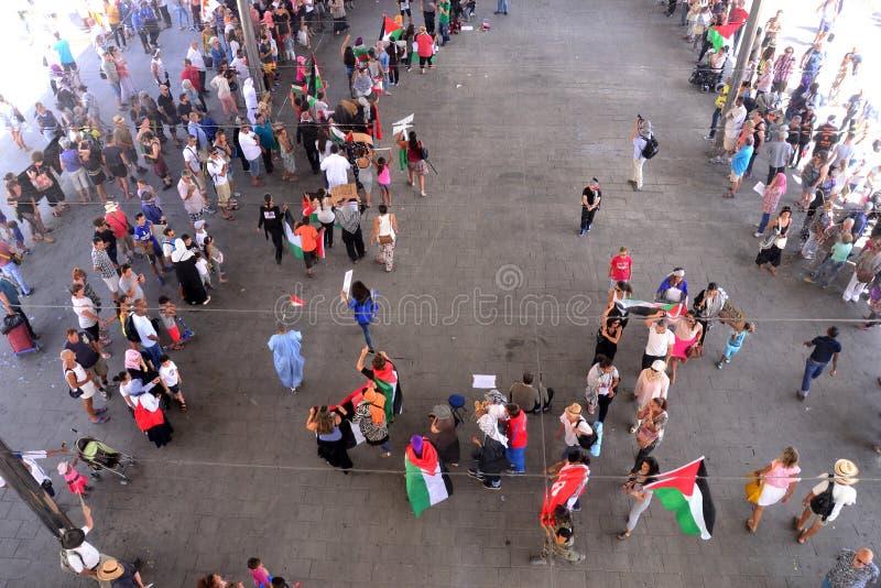 Marseille, Frankrijk - Augustus 9, 2014: De protesteerder verzamelt zich tijdens demonstratieÃ stock fotografie