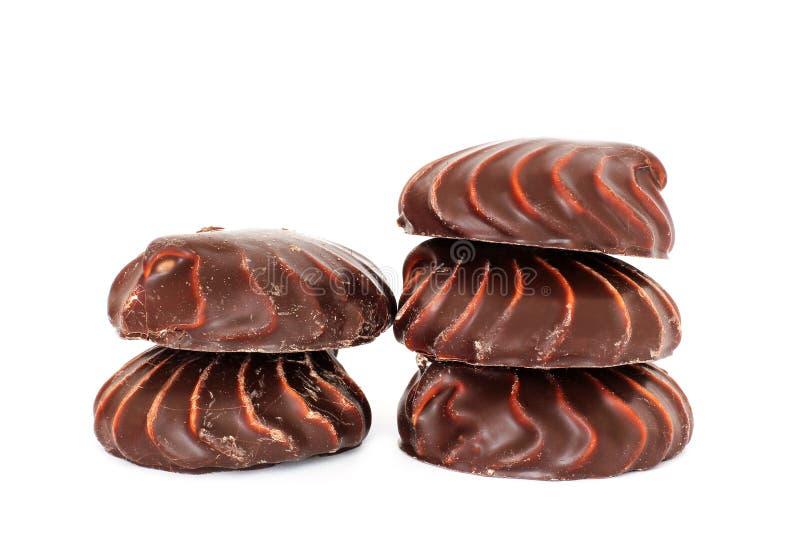 Marshmallow do chocolate no fundo branco imagens de stock