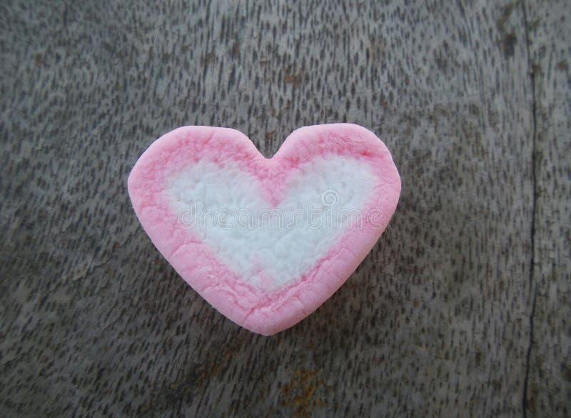 Download Marshmallowhjärta arkivfoto. Bild av klibbigt, pink, valentiner - 37348216