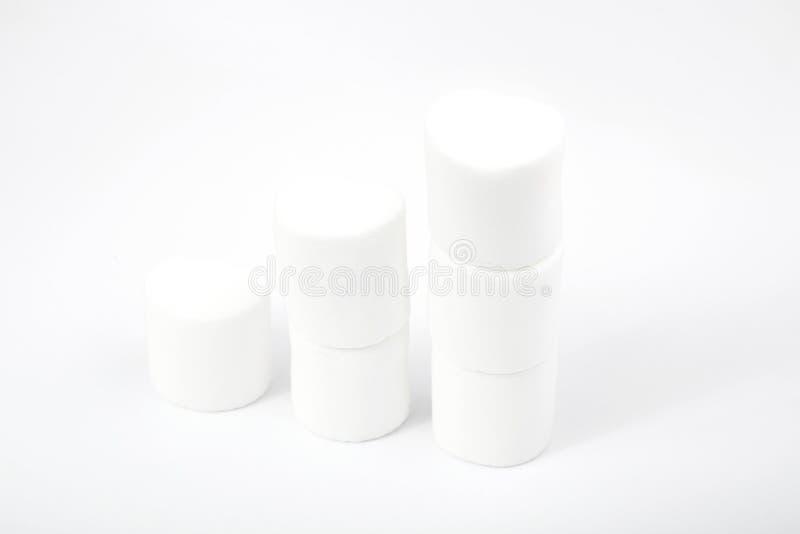Marshmallows no branco sweetness imagem de stock