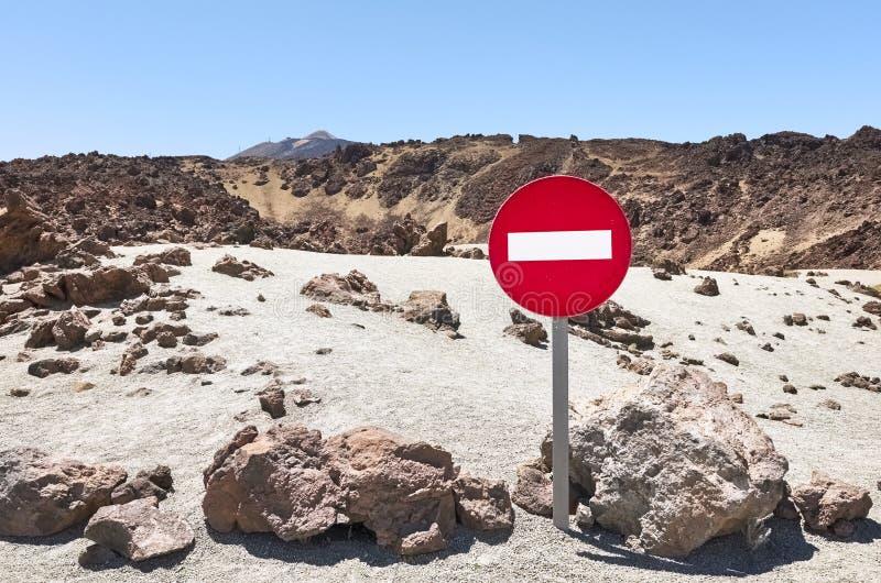 Marte como a paisagem sem o sinal de tráfego da entrada imagem de stock