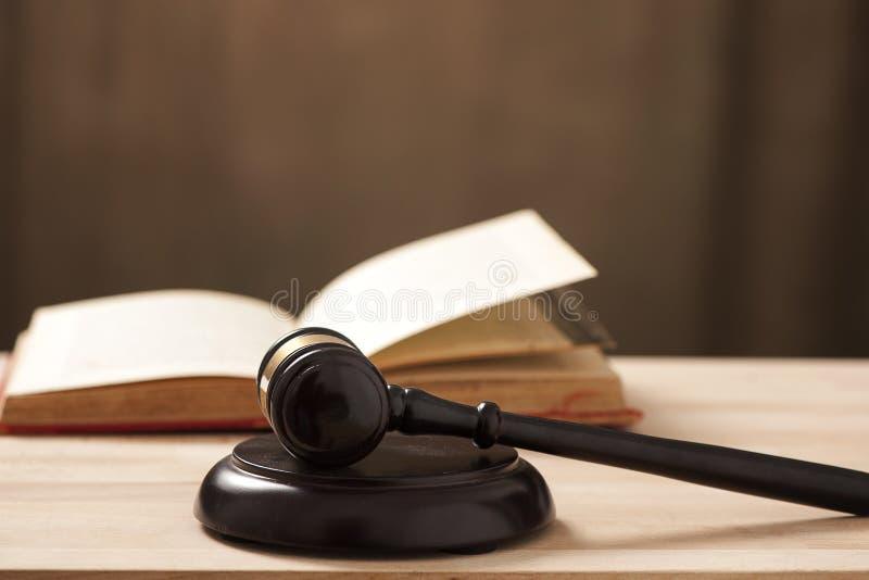 Marteau de cour de juges photo libre de droits