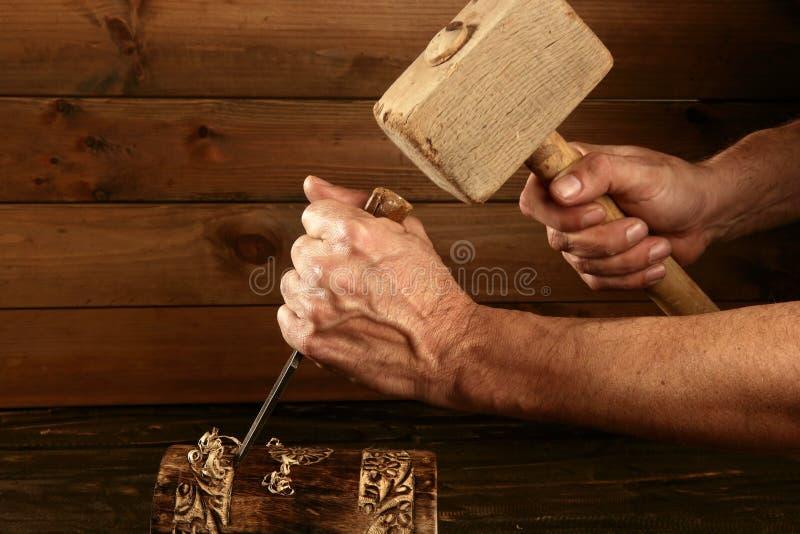 Marteau de main d'outil de charpentier de burin en bois de gouge images libres de droits