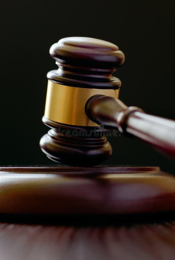 Marteau en bois pour un juge ou un commissaire-priseur photographie stock