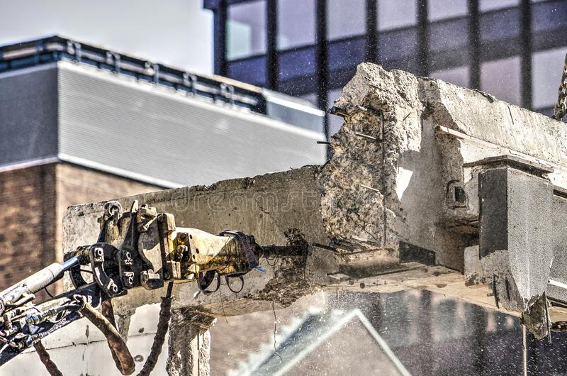 Martello pneumatico pneumatico sul lavoro immagine stock