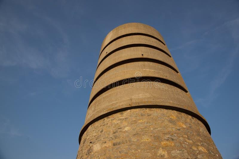 Martello wierza przy fortem Saumarez, u?ywa? Niemieckimi wojskami okupacyjnymi podczas wojny ?wiatowej 2 16th Lipiec - fort Sauma zdjęcie royalty free