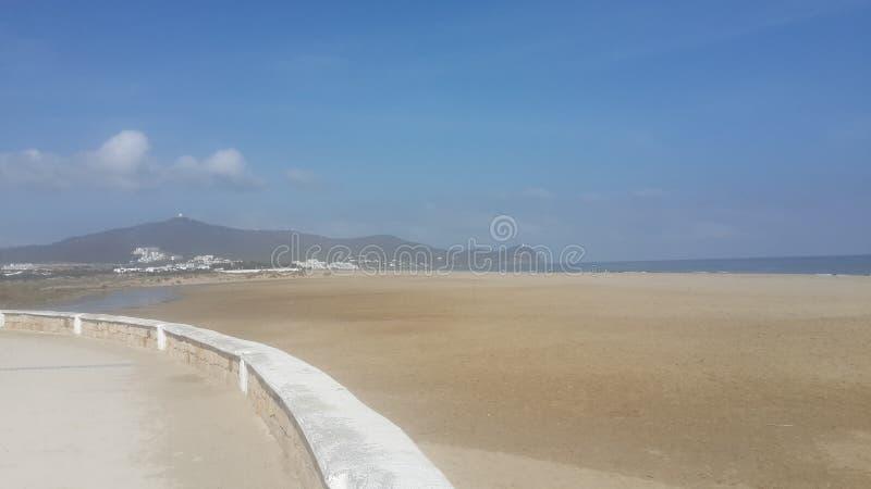 Martil del cornicione, spiaggia del martil, Marocco fotografie stock