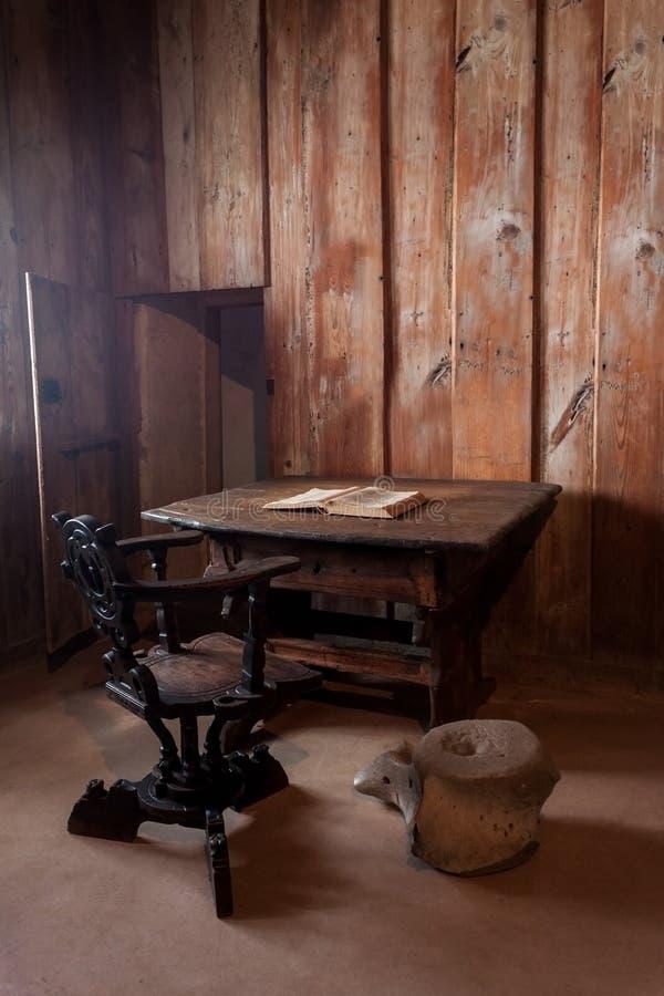 Martin Luther Room in Wartburg-Kasteel stock afbeeldingen