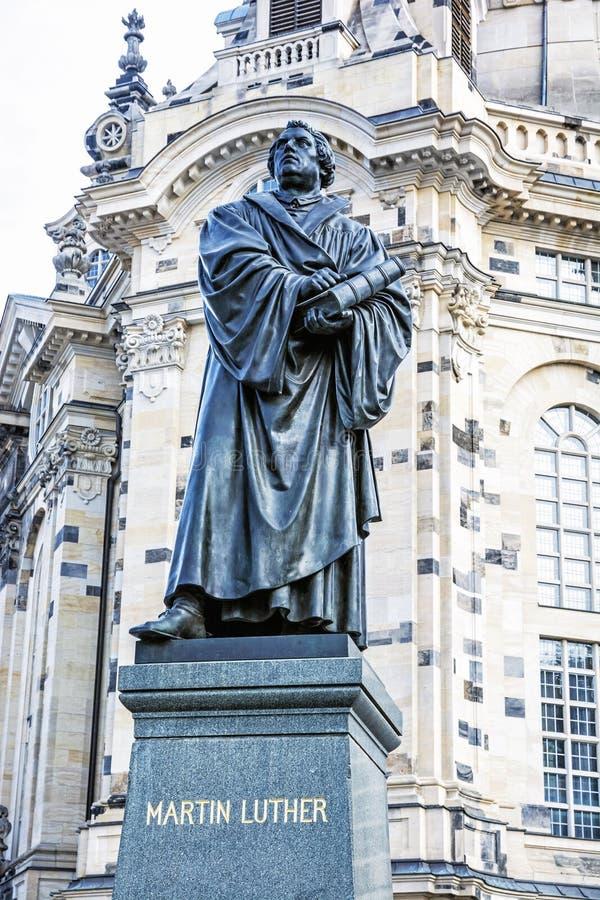 Martin Luther-standbeeld vóór Frauenkirche in Dresden, Duitsland stock foto