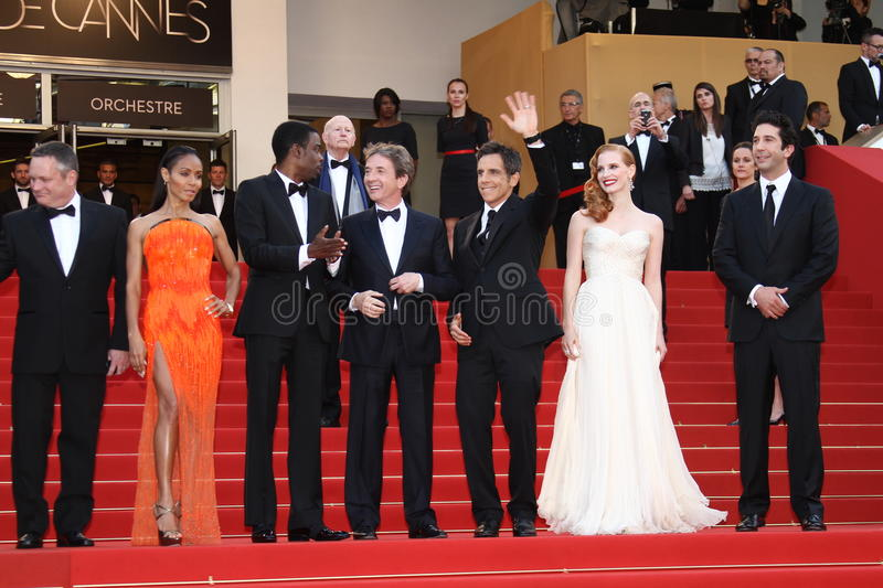 Download Martin Short, Jessica Chastain And David Schwimmer Editorial Image - Image: 25187920