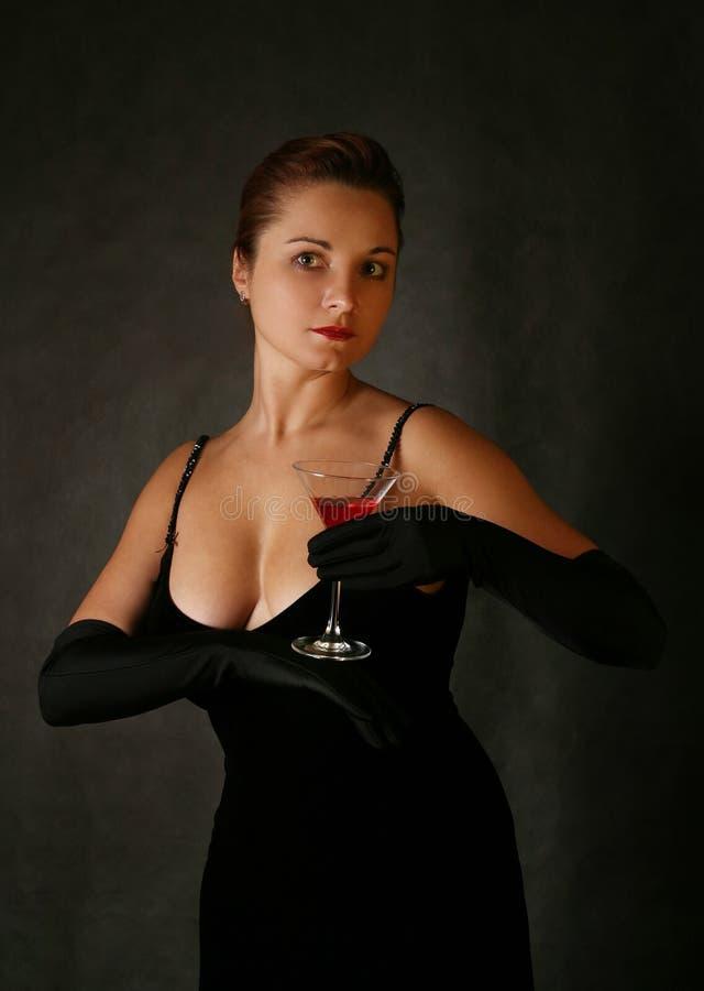 Martini mit einer Olive stockfoto