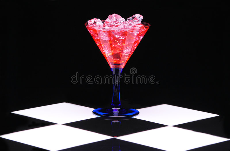 Download Martini Rojo Con Hielo Imagen de archivo - Imagen: 3357721