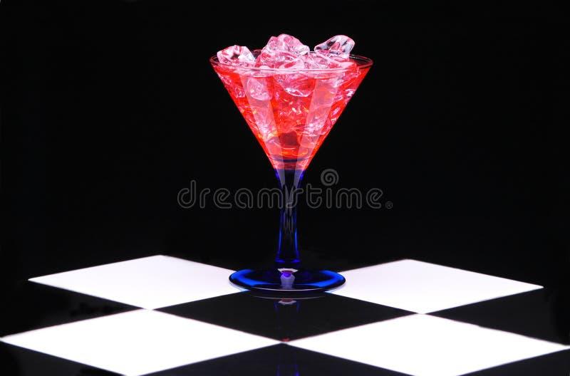 Martini rojo con hielo