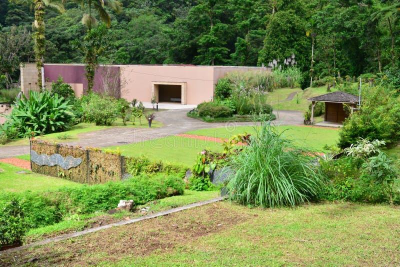 Martinique den Domaine d'Emerauden parkerar arkivbild