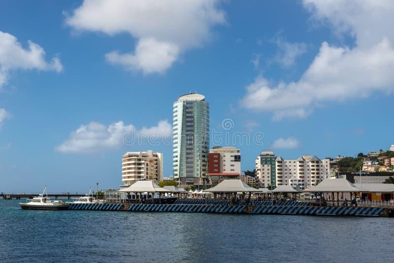 Martinique kust av den pittoreska staden av Fort de France arkivbild