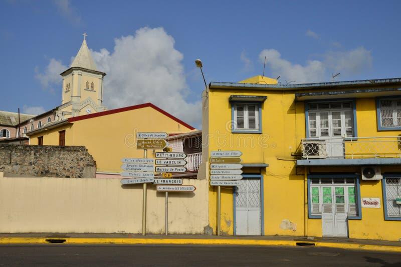 Martinique pittoresk stad av Le Helgon Esprit i västra Indies fotografering för bildbyråer