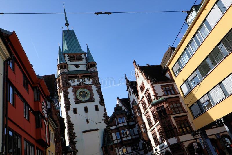 Martinstor in Freiburg, Duitsland stock foto's